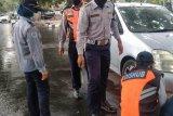 Dishub Mataram mengaktifkan sanksi gembok kendaraan parkir di badan jalan