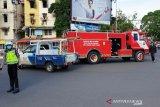 Dinas pemadam Palembang periksa  APAR gedung antisipasi kebakaran