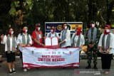 Rotary Solo serahkan  bantuan APD