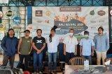 Sejumlah musisi dari berbagai aliran ramaikan konser 'drive-in' pertama di Bali