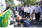 Dukung kegiatan padat karya BPTD Wil. IV Jasa Raharja hadiri perbaikan sarana jalan