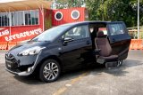 Toyota merilis Sienta Welcab dengan kursi penumpang otomatis
