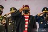 Peringati HUT RI, Menko Polhukam Mahfud MD gunakan baju tradisional Madura