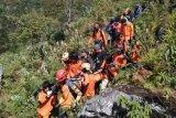 SAR evakuasi seorang pendaki meninggal di Gunung Bawakaraeng