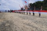 Bendera Merah Putih sepanjang 545 meter dibentangkan di Pulau Nanedakele Sangihe