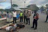 Kedapatan tak pakai masker, 15 warga Lombok Tengah harus push up