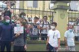Ingin temui Presiden Jokowi, belasan pengungsi asing UNHCR unjuk rasa