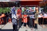 DW Perumda Tirta Ampera Boyolali bagikan APD ke pedagang