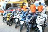 Polisi Jayapura tangkap dua pencuri  dan seorang penadah motor curian