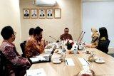 OJK bahas bantuan usaha mikro bersama perbankan dan Pemprov Kalteng