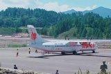 Pesawat komersial Wings Air mendarat perdana di Bandara Toraja
