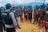 Polisi benarkan warga dua kampung minta izin perang tiga hari