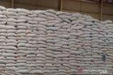 Kabulog Tahuna jamin stok beras di Gudang Siau hingga akhir tahun