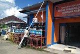 BPBD mendistribusikan tandon air cuci tangan di objek wisata cegah corona