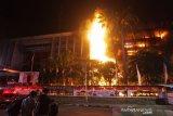 Komisi III meminta Kejagung-Polri bentuk Timsus ungkap insiden kebakaran