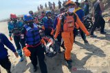 Petugas SAR temukan jasad santri yang hilang di pantai Bayongbong Tasikmalaya