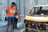 Pembakar mobil Via Vallen memperagakan 20 adegan