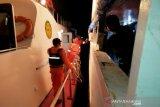 Tim SAR mengevakuasi 76 penumpang kapal alami kecelakaan di Buton Selatan