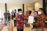 Kemenag terbitkan lima sertifikat halal untuk pelaku usaha di Sulteng