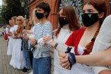 Ini sungguh gila, ungkap ayah jurnalis Belarus yang ditahan