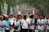 Jokowi luncurkan bantuan subsidi gaji bagi 15,7 juta pekerja