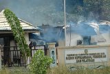 Kantor BKD Mamberamo Raya dibakar massa terkait tes CPNS