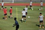 Ketum PSSI minta timnas U-19 tak hiraukan isu naturalisasi pemain
