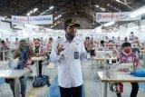 Staf Ahli Menkumham tinjau pabrik garmen di Lapas Makassar