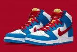 Nike luncurkan sneakers SB Dunk High Doraemon