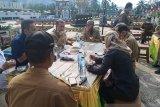 Wagub kunjungi kuliner Logas Muaro Sijunjung, minum kopi dan makan kue talam