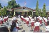 Kata Bupati Sikka  guru dan pelajar wajib gunakan masker saat tatap muka