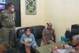 Tidak pakai masker, empat remaja tabrak petugas Satpol PP