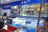 Penjualan ponsel di Batam anjlok akibat pandemi corona