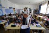 Kasus dan kematian COVID-19 di Prancis kembali melonjak