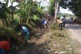 Warga Lebak mulai menghadapi krisis air bersih akibat kemarau