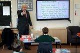 Sekolah-sekolah di Inggris mulai dibuka kembali untuk semester baru
