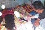Pusing pikirkan suaminya di Malaysia, wanita di Lotim ini potong urat nadi dengan pisau perajang tembakau
