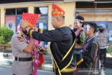 Kapolda Sulteng baru disambut tarian tradisional Tanah Kaili