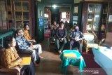 Pura Mangkunegaran dan UNS digitalisasi Perpustakaan Reksapoestaka