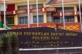 KPU Riau masih menunggu permohonan PAW enam anggota DPRD