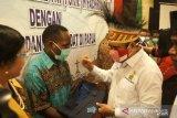 Menteri Agama Fachrul Razi berikan beasiswa bagi 253 anak asli Papua