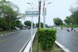 Jalan depan Kantor KPU Kepri ditutup