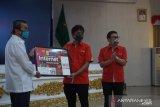 Gubernur Riau terima kartu paket gratis bagi 104.693 pelajar dari Telkomsel
