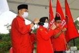 Risma-Wisnu antarkan Eri-Armuji daftar Pilkada ke KPU Kota Surabaya