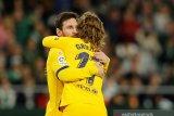 Griezmann berharap Messi tetap bertahan di Barcelona