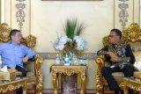 Ketum Partai Gelora silaturahmi dengan Gubernur Sulsel
