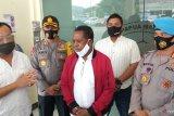 Kasus kematian adik ipar di ruang tahanan, Edo Kondologit percayakan kepolisian menyelesaikannya