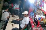 Polisi meringkus perampas ponsel berpura-pura jadi pembeli