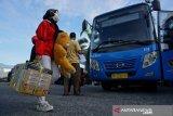 Perusahaan transportasi  di Sulteng  batasi operasi kendaraan