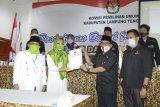 Nessy-Imam daftar ke KPU didampingi pengurus partai pengusung dan relawan